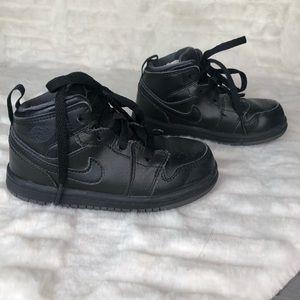 Nike Air Force 1 black Sneakers Size 8 Todldler
